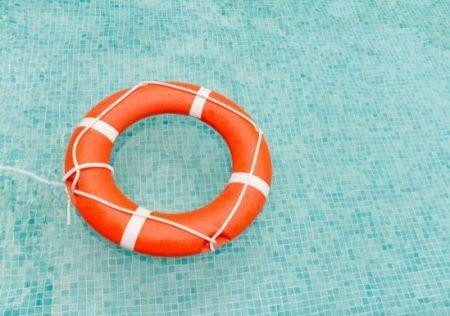 Obligatoriedad de socorrista en las piscinas comunitarias