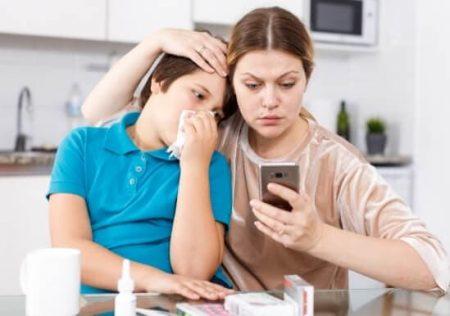 Permiso de la empleada de hogar para ir al médico con su hijo
