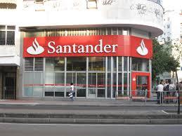 Banco Santander cobrará por el uso de sus tarjetas