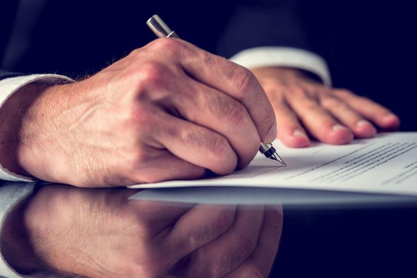 Cláusula penal en un contrato de arrendamiento de local de negocio