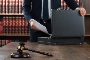 Abogado y procurador en el juicio monitorio