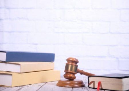 Fallecimiento del demandado durante el litigio